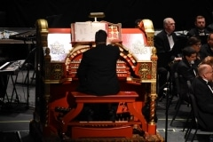 Freddie Brabson on the Mighty Wurlitzer organ with the TWS